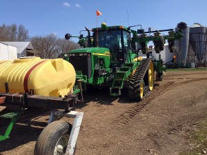 2014 Tractor with push tank